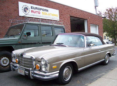 A beautiful 1970 Mercedes-Benz 280SE W111 chassis cabriolet, in DB172 Anthricite Metallic, made it's first visit to E.A.S. for A/C compressor replacement and a power antenna repair.