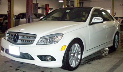 A beautiful 2008 Mercedes-Benz C300 in DB650 Calcite White was recently in for it's first scheduled 'A' -Service at 11,407 miles.