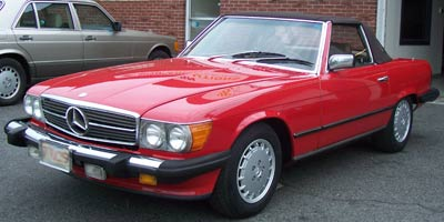 A 1987 Mercedes-Benz 560SL with 32k original miles in for oil service, rear suspension spring replacement, and four wheel alignment.